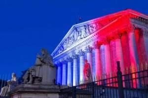 La loi PACTE, ou quand la France expérimente la démocratie ouverte. Petr Kovalenkov / shutterstock