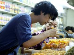 C'est en apprenant les recettes de sa grand-mère que Masato va pouvoir apaiser les douleurs familiales.