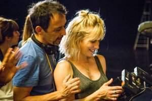 """""""On s'est amusés à garder l'onirisme, la fantaisie, l'humour"""", dit Andréa Bescond, ici sur le tournage avec Eric Métayer."""