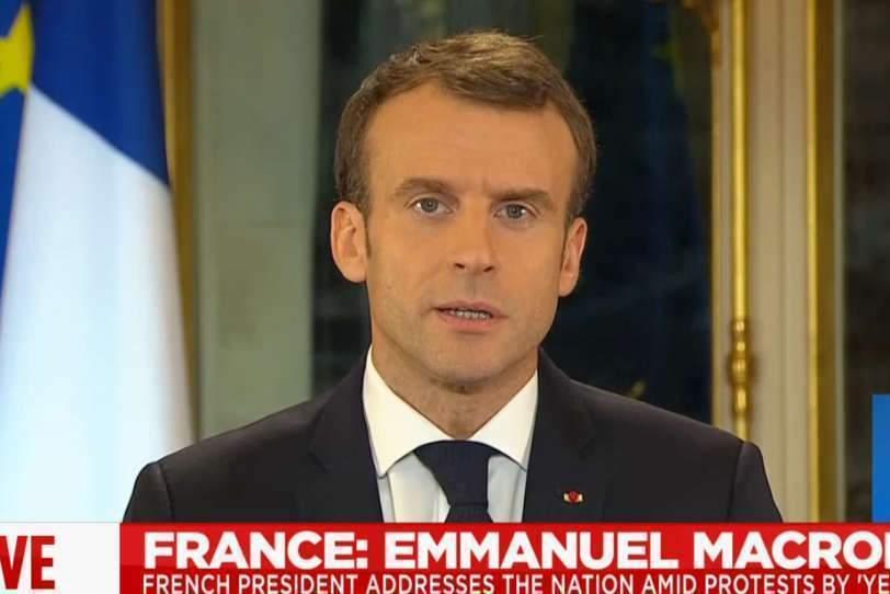 Macron lâche du lest