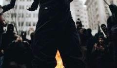 Black bloc, ultra-gauche et ultra-droite: ils émaillent les manifestations récentes et font usage des mêmes modes opératoires. Roscoe Myrick/Flickr, CC BY-ND