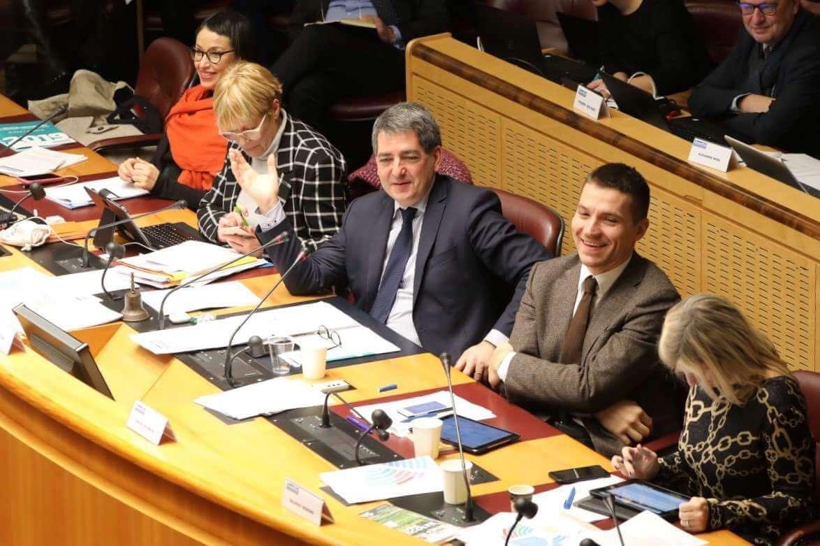 e763eeb5ba8 Séance plénière du Conseil régional Grand Est  le président Jean Rottner et  les vice-
