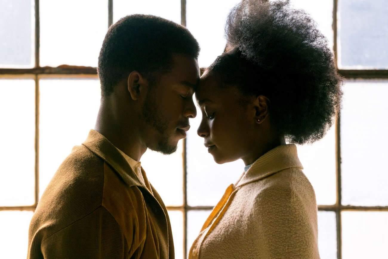 Kiki Layne et Stephan James incarnent Tish et Fonny, le beau couple d'amoureux qui va être séparé par l'injustice.