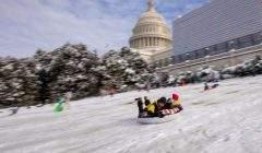 L'épaisse couche de neige à Washington intéresse le bulletin météo, un peu moins les climatologues… Erik S. Lesser/EPA-EFE