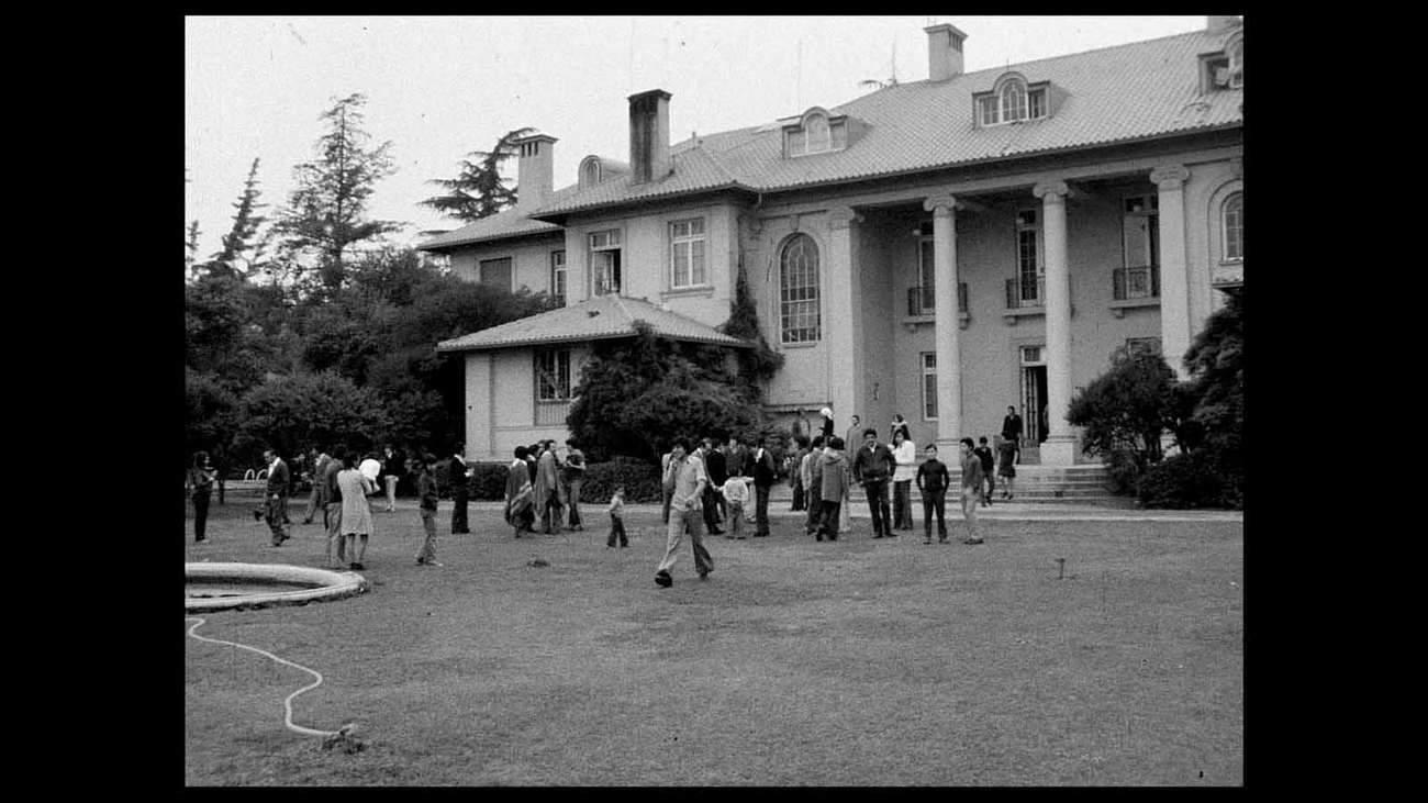 Après le putsch militaire de 1973, 600 personnes ont trouvé refuge dans l'enceinte de l'ambassade italienne à Santiago.