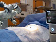 Demain, robotique et génomique feront partie du paysage de la médecine. Shutterstock