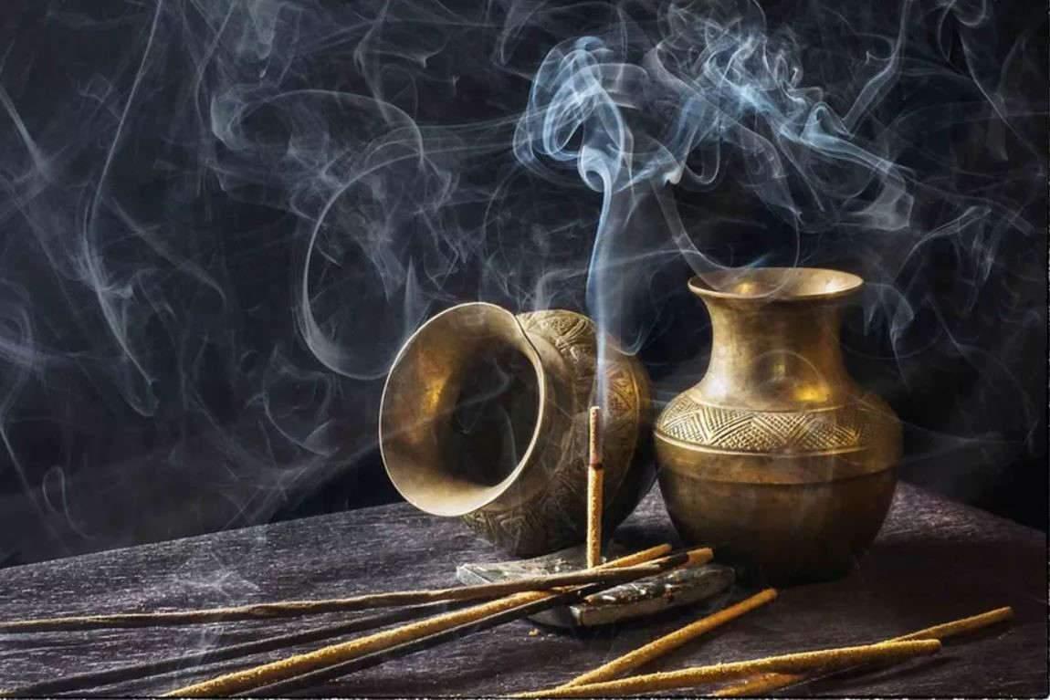 Le parfum de Dieu dans l'Antiquité, un mystère hors de portée ?
