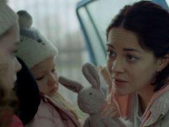 Sarah Greene incarne formidablement cette Rosie, mère dévouée et désemparée.