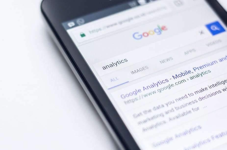 Exploitation des données personnelles par Facebook : l'usager est-il complice ?