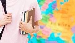 Le nombre d'années et d'heures d'enseignement hebdomadaire d'une langue sont essentielles à un apprentissage de qualité. Shutterstock