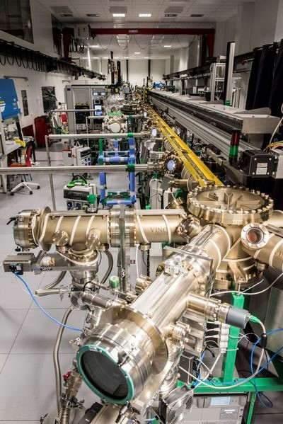 Plateforme technologique de dépôt et d'analyse sous ultravide de nanomatériaux (Davm), constituée d'une trentaine de systèmes ultravides interconnectés. Cette plateforme est sans précédent en France et permet le développement des nanosciences et des nanotechnologies. (hubert_raguet_ijl_cnr)