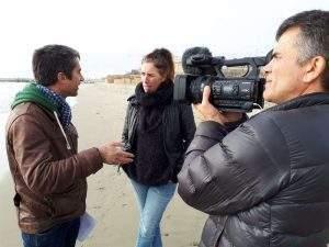 François Ruffin et Gilles Perret ont emmené Marie au bord de la mer, où elle chante « J'veux du soleil ».