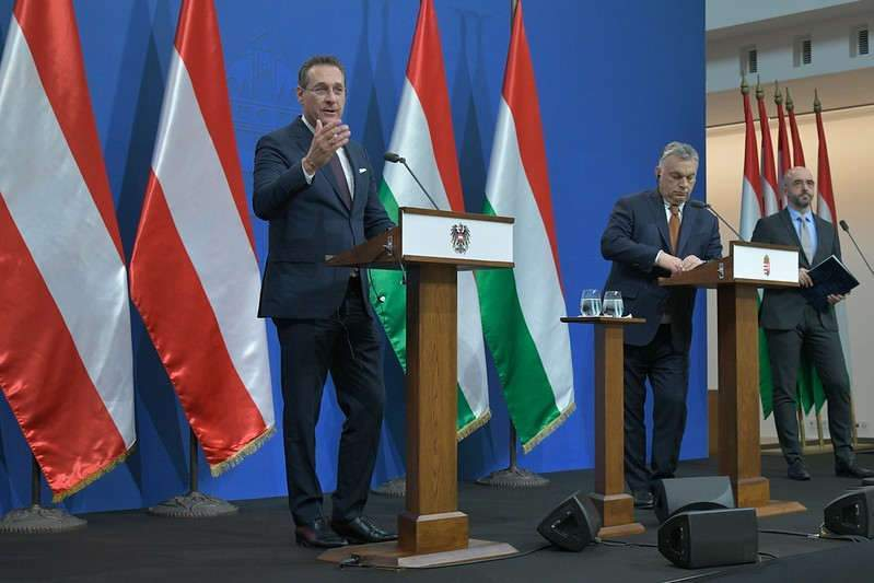 Le vice-chancelier d'Autriche et dirigeant du FPO Heinz-Christian Strache aux côtés du premier ministre hongrois Viktor Orban (Photo credit: BMöDS on VisualHunt /  CC BY-NC-ND)