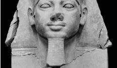 Tête de Mykérinos, vers 2500 av. J.-C., Museum of Fine Arts, Boston.