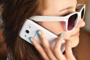 Téléphoner dans un pays de l'UE coûte moins cher (Photo on Visualhunt)