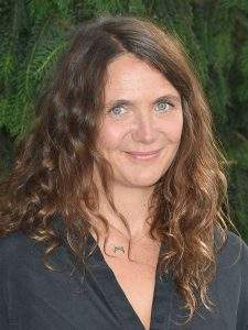 « J'ai écrit après avoir fait ce voyage, il y a de l'invention et de la fiction », confie Elise Otzenberger.