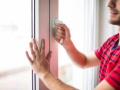 Aérer quotidiennement son logement, une action essentielle pour lutter contre la pollution de l'air intérieur.Shutterstock