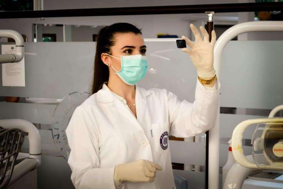 Pourquoi si peu de femmes dans la recherche française ?