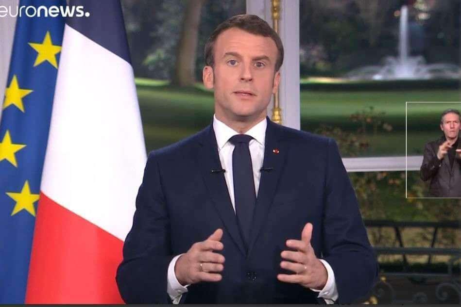Macron : des vœux en forme de provocation