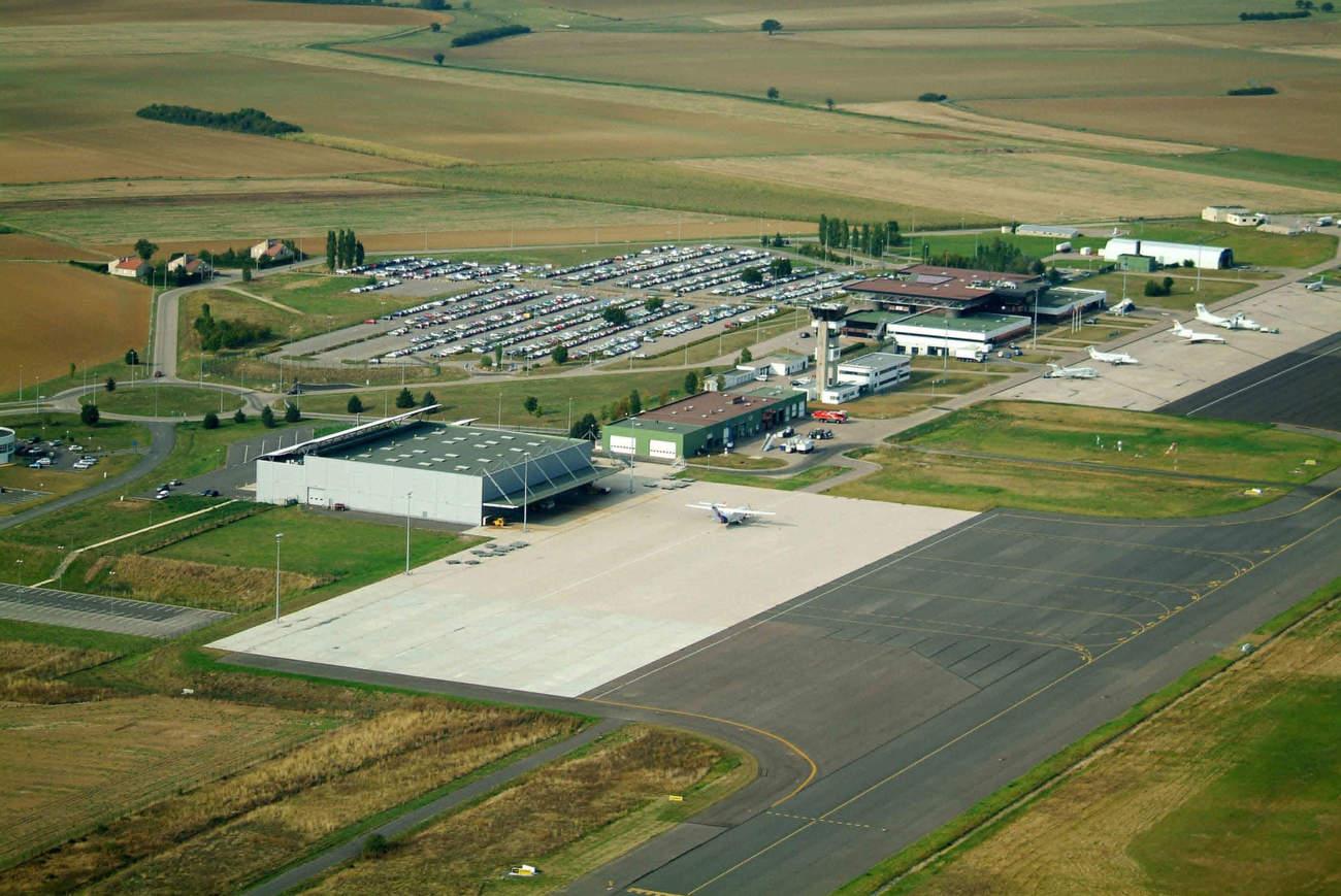 Coronavirus COVID-19 : suspension du trafic commercial à Lorraine Airport.