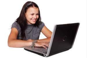 étudiante-ordinateur (public domaine pictures)