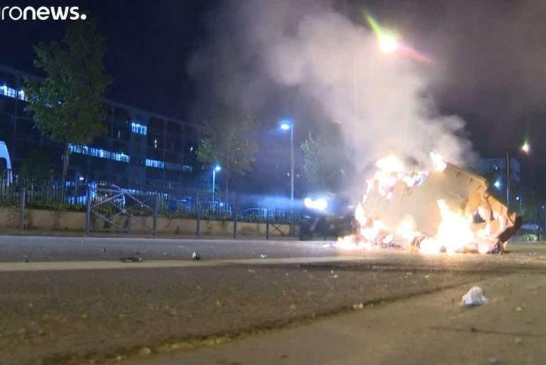 Des heurts en banlieue parisienne (capture Euronews)