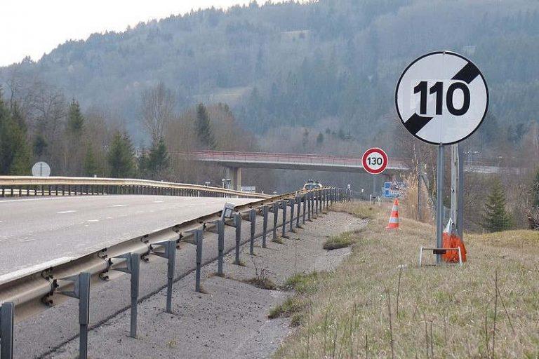 panneaux limitation de vitesse