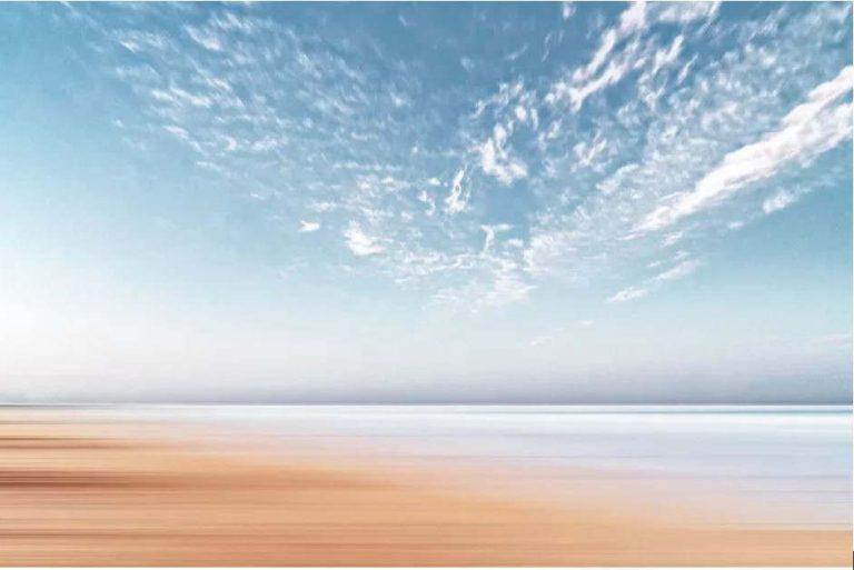 Le ciel grouille de vie. Anthony Cantin / Unsplash