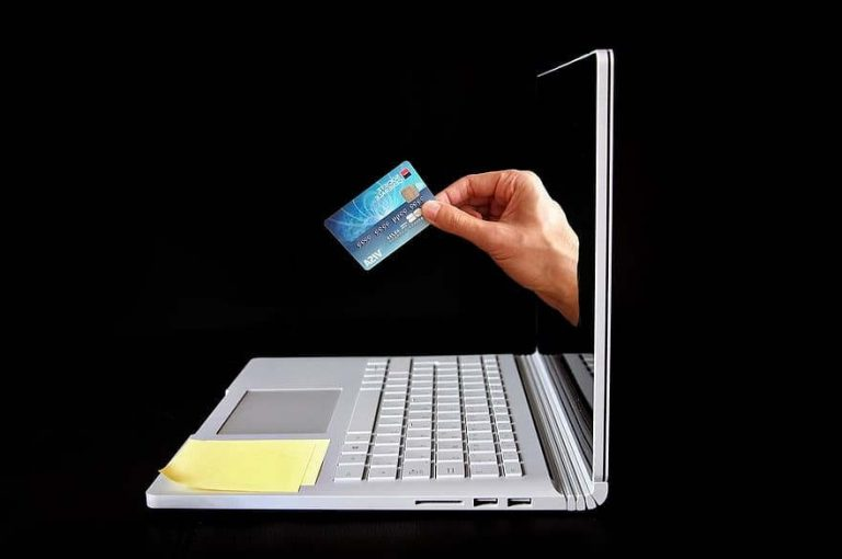 achats en ligne (Pikist)