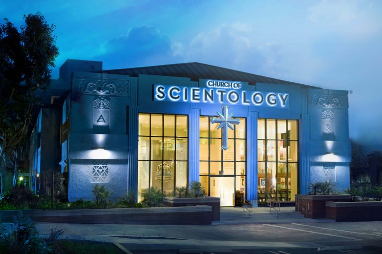 L'église de scientologie à Los Angeles (wikimedia commons)