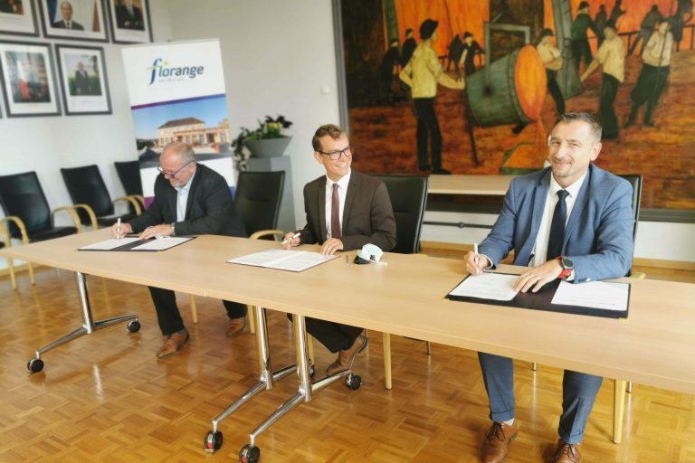 Rémy Dick, maire de Florange, et Gilles Becker, président du comité technique de Moselle de la Safer Grand Est (photo SAFER)
