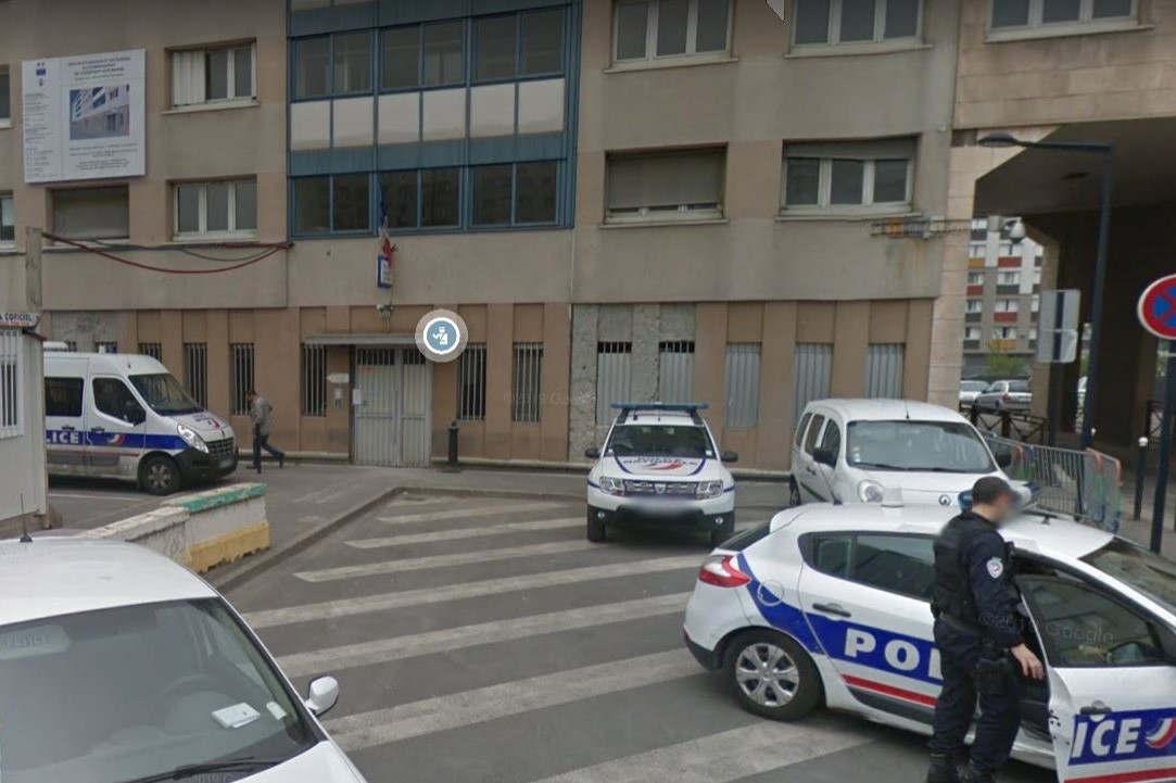 Commissariat de police de la cité Bois l'Abbé à Champigny sur Marne