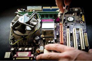 dépannage d'un ordinateur (pixabay)
