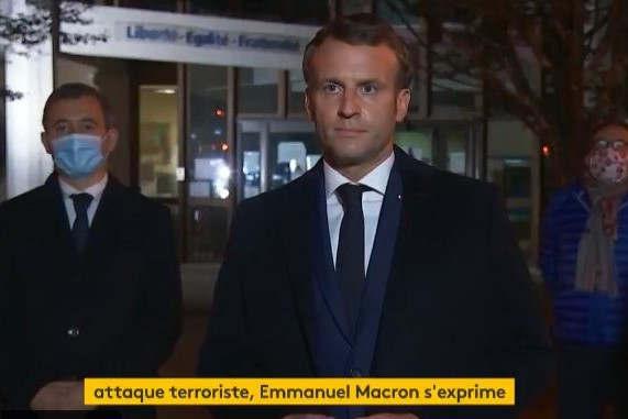 Emmanuel Macron à Conflans-Sainte-Honorine (capture twitter france-info)