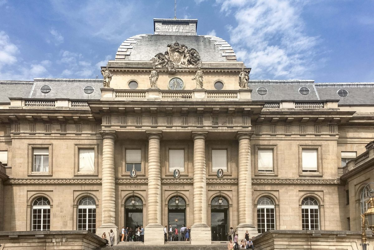 Palais de Justice de Paris (wikimedia Commons)