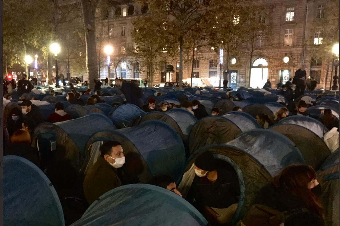 Camp de migrants place de la République à Paris (capture Utopia56)
