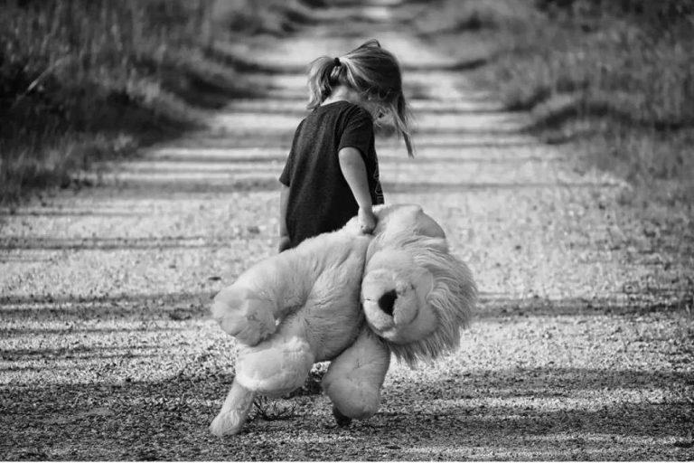 Les statistiques sur les violences survenues dans l'enfance sont très fréquentes, pourtant le tabou demeure Pixabay/greyerbaby, CC BY-S