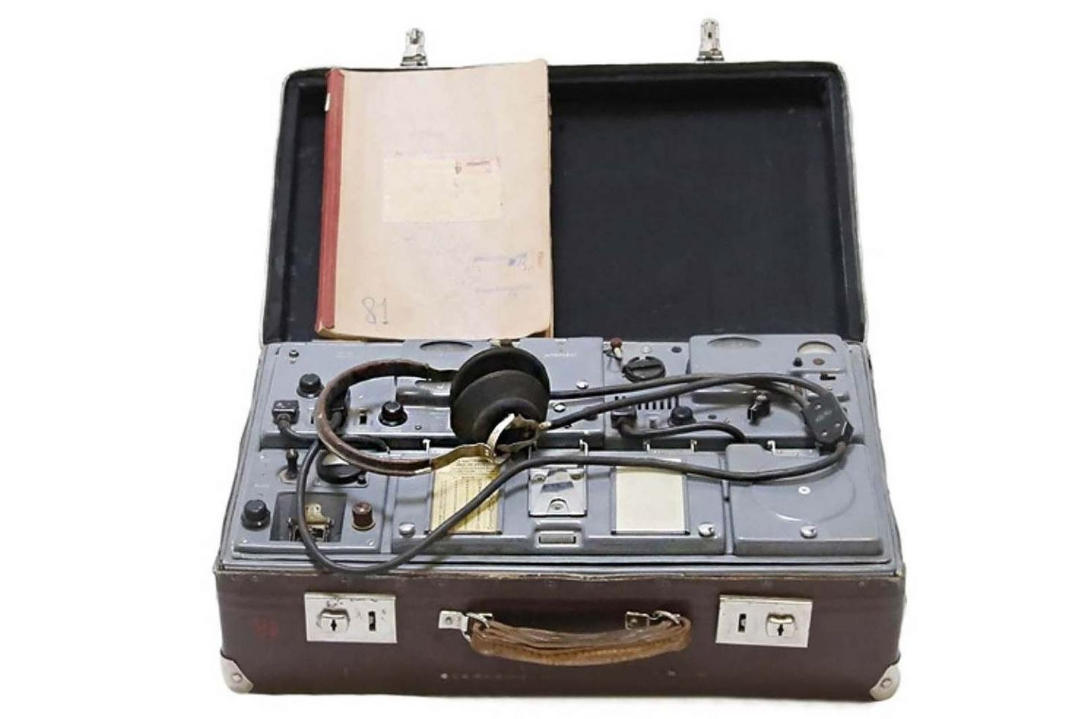 expo-kgb-valise-emeteur-radio