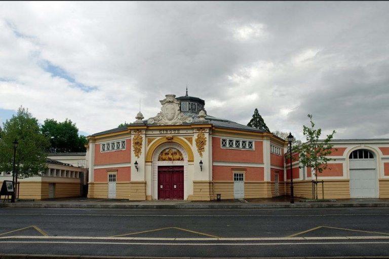 Centre n,ational des arts du cirque à Chalons en Champagne (wikimédia commons)