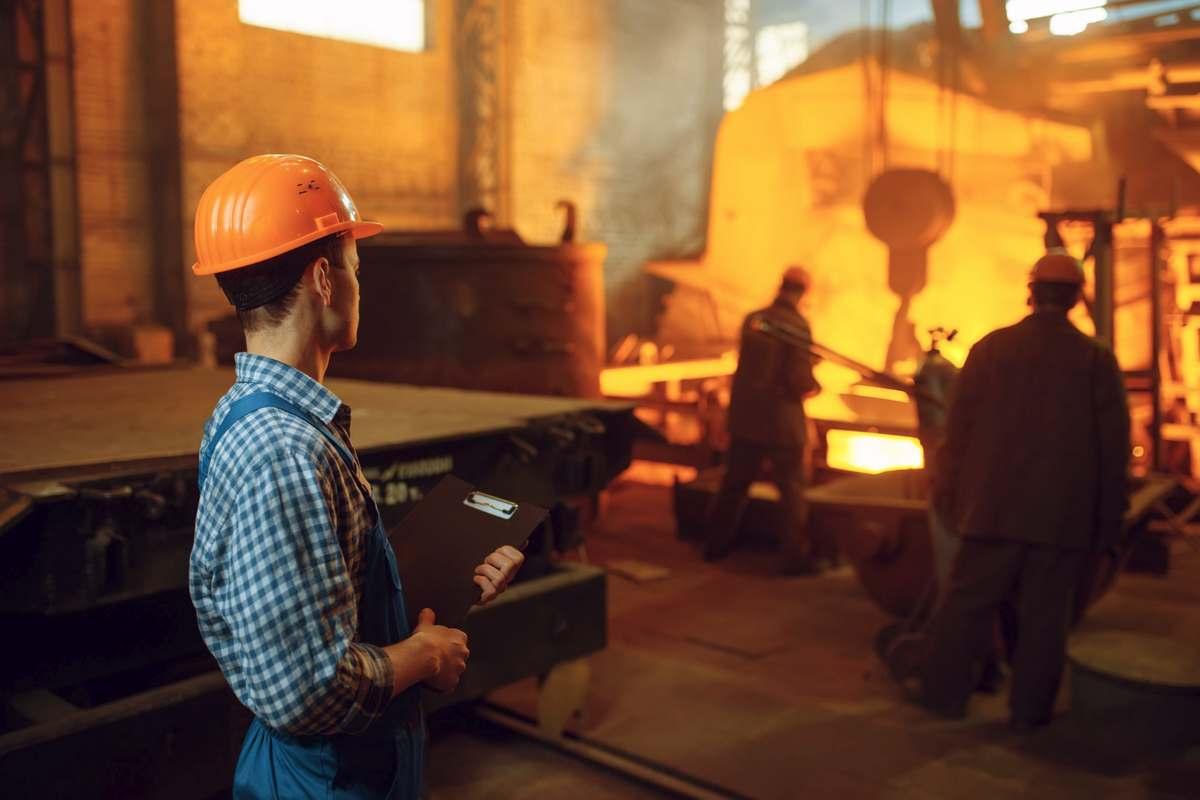 metallurgie ouvrier acier aciérie