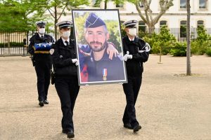Hommage de la nation au brigadier Eric Masson le 11 mai 2021 (photo twitter police nationale)