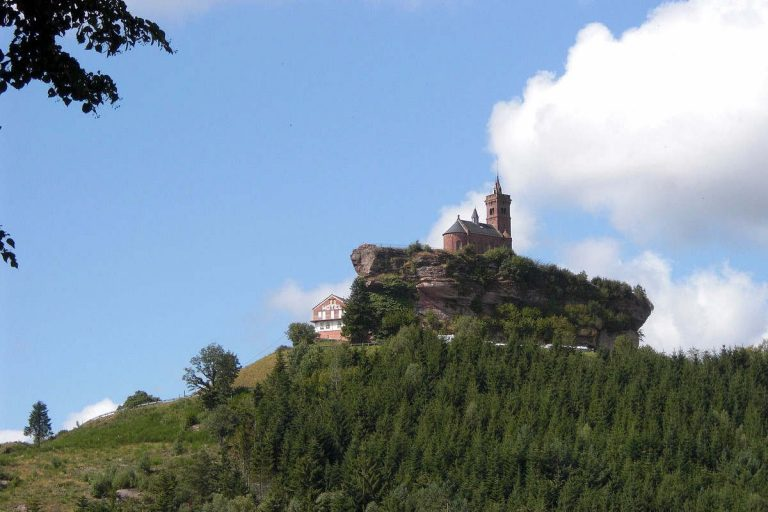 Rocher de Dabo (francois from Strasbourg, france, CC BY 2.0, via Wikimedia Commons)